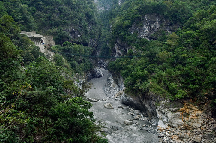 how to go to taroko gorge from taipei